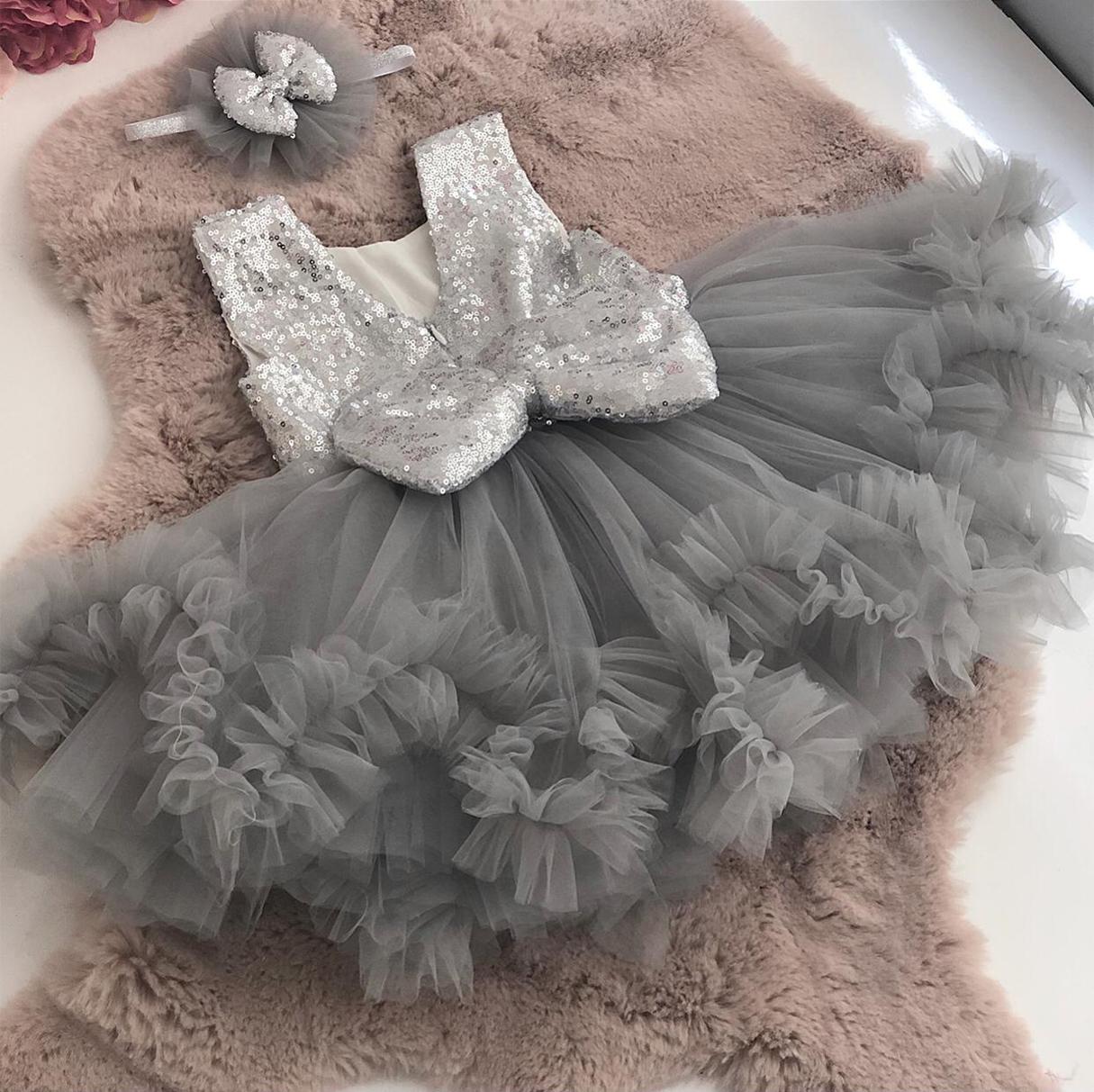 pullu-islemeli-gri-kiz-bebek-elbisesi